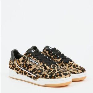 🔥 Adidas Originals Leopard Furry 🔥